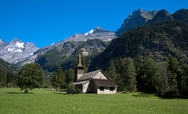 Kandersteg教会  免版税图库摄影