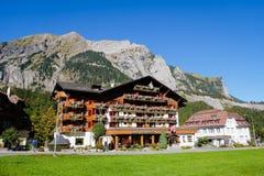 Kandersteg berg i Schweiz, Fotografering för Bildbyråer