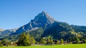 Kandersteg berg i Schweiz, Europa Arkivbilder