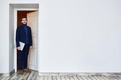 Kandidat, der für Job Interview kommt stockfotos