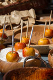 Kandierte Äpfel Stockfotos