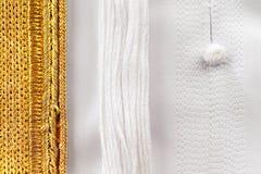 Kanduraen anpassas vanligt till perfektion med detaljerat utsmyckat sy royaltyfri fotografi