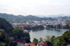 Kandy湖和市中心 库存照片