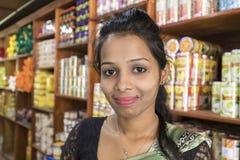 "KANDY, SRI LANKA-†""am 13. Februar 2017: Porträt von Verkäuferinnen Lizenzfreie Stockfotografie"
