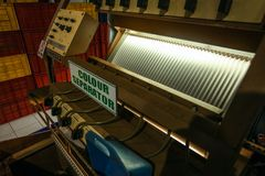 Kandy, Sri Lanka - 17 avril 2012 : Machine de séparateur de couleur en K photos libres de droits