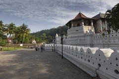 KANDY SRI LANKA - DECEMBER 01: , 2016: Tempel av den sakrala tutet Fotografering för Bildbyråer