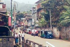 Kandy, Sri Lanka, am 22. Oktober 2011: Auf der Straße Stockfoto
