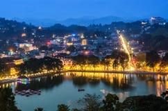 Kandy-Stadt an der Dämmerung Lizenzfreie Stockfotografie