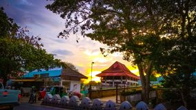 Kandy-Stadtzentrum-Sri Lanka Einkaufszentrum-Abendhimmel stockfotos