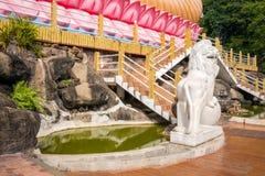 Kandy-Vihara As escadas à estátua da Buda Fotografia de Stock Royalty Free