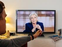Kandydata zwolennika dopatrywania debata między Emmanuel Macron i Fotografia Royalty Free