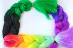Kanekalon Filamentos artificiales coloreados del pelo Material para las trenzas de trenzado fotos de archivo libres de regalías