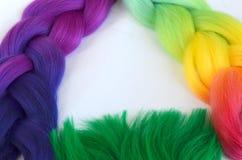 Kanekalon Filamentos artificiales coloreados del pelo Material para las trenzas de trenzado imagen de archivo