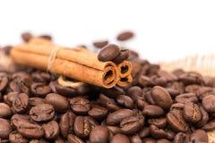 Kanel och kaffe royaltyfria foton