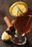kanelbrun glass citrontea Arkivbild