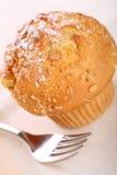 kanelbrun smulpajmuffin för äpple arkivfoton
