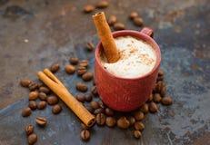 kanelbrun varm stick för choklad Royaltyfri Bild
