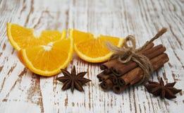 kanelbruna orange sticks Royaltyfri Fotografi