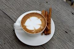 Kanelbrunt kaffe Arkivfoton