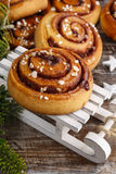 Kanelbulle - petits pains de cannelle suédois photographie stock