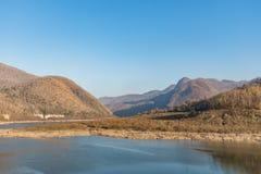 Kanga kora widoku punkt Mae śwista park narodowy Sucha góra i jezioro w lecie Obrazy Royalty Free