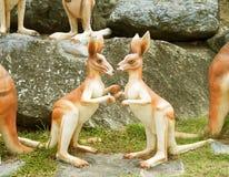 Kangourous de statue Photos stock