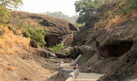Kanheri för grotta 2 grottor arkivbild