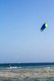 Kania surfing w Watamu Zdjęcie Stock