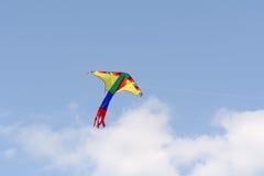 Kania z colourful projekta lataniem w niebie Zdjęcie Royalty Free