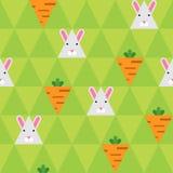 Kaninchen und Karotte auf dem grünen Dreieckhintergrund Lizenzfreie Stockbilder