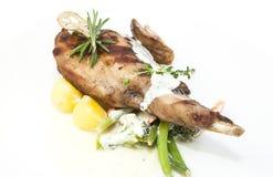 Kaninchenfleisch und -kartoffeln Lizenzfreie Stockfotos
