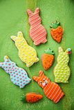 Kaniner med morötter Royaltyfri Foto