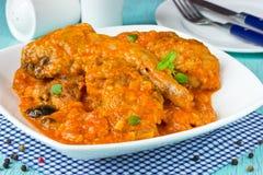 Kaninkött i tomatsås Royaltyfri Foto