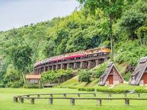 KANJANABURI, THAILAND-AUG 26: Piękny krajobraz Suansaiyok kurort Zdjęcie Stock