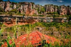Kanjon Ebro River Orbaneja del Castillo arkivfoton