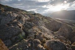 Kanjon efter den massiva jordskalvet Arkivfoto
