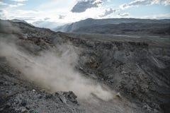Kanjon efter den massiva jordskalvet royaltyfri foto
