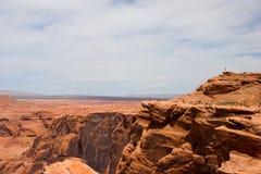 Kanjon och öken bortom, nära sidan, Arizona, USA Arkivfoto