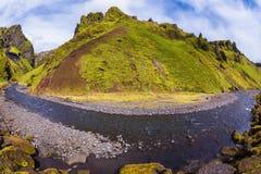 Kanjonen Pakgil lokaliseras bland vaggar Arkivfoton