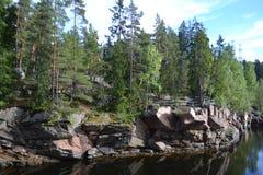 Kanjonflod Vuoksa royaltyfria foton