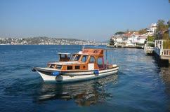 Kanlica kust- sikter från det historiska stället i Istanbul Royaltyfria Foton