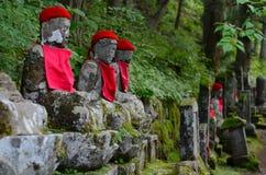 Kanmangafuchi облицовывает статуи в области Nikko, Японию Будды Стоковое Изображение RF