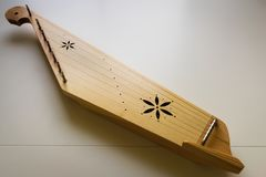 Kannel estländskt traditionellt harpamusikinstrument för folkmusik i Estland royaltyfri fotografi