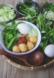 Kanom Jeen, Tajlandzcy ryżowi wermiszel słuzyć z currym, Tajlandzki jedzenie, Tajlandzka kuchnia, Fotografia Royalty Free
