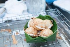 Kanom Krok lub Tajlandzki Pancak, deser Tajlandzki tradycyjny grylaż Zdjęcie Stock