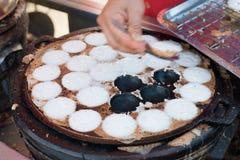 Kanom Krok lub Tajlandzki Pancak, deser Tajlandzki tradycyjny grylaż Fotografia Stock