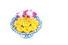 Kanomleren riem Yib een traditioneel Thais dessert Stock Foto
