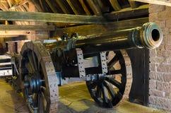 Kanon in een kasteel royalty-vrije stock fotografie
