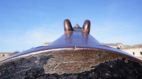 Kanon i Komarom f?stningUngern royaltyfri foto