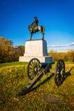 Kanon och staty i Gettysburg, Pennsylvania Royaltyfri Foto